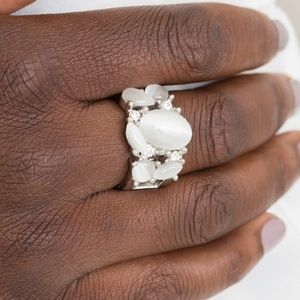 Modern Moonwalk - White Stretchy Band Ring